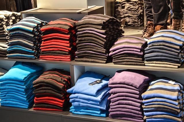 sweaters-428626_640.jpg