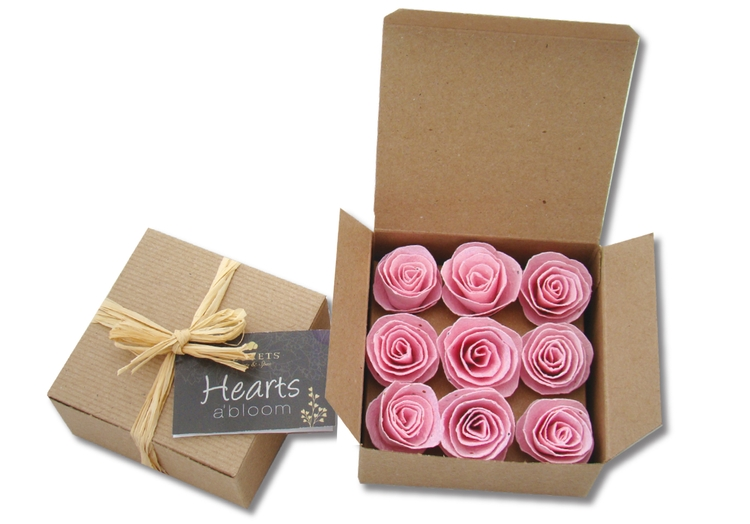 9 Seeded Paper Roses in Gift Box