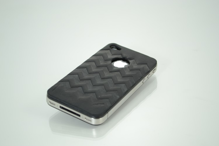 iPhone Skin Zigzag w/ hole