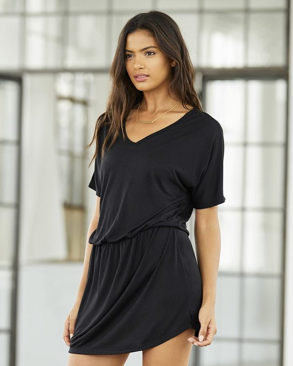 Women\'s Flowy V-neck Dress