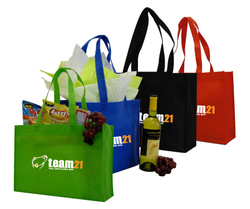 Non-woven polypropylene Horizontal shopping tote bag with contrast biding on the sides.