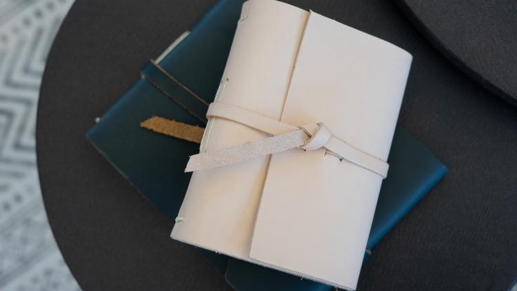 Parley\'s Journal Flap-Tie