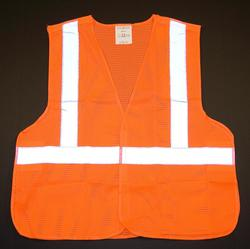 Class 2 safety vest with 5 point break-away feature